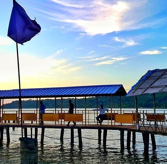 Chemballikundu V-Pra Kaayal Floating Park